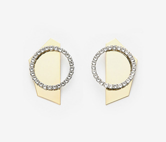 [이요원 착용] Metal Back Board Crystal Earrings