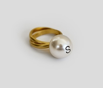The Helvetica Big Pearl Ring (15% off)