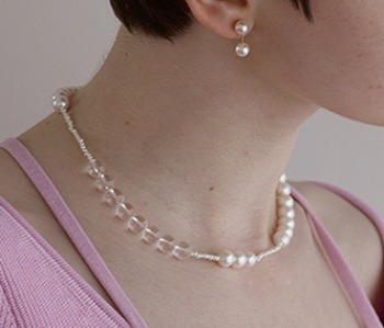 The pearl and crystal necklace (10%off)